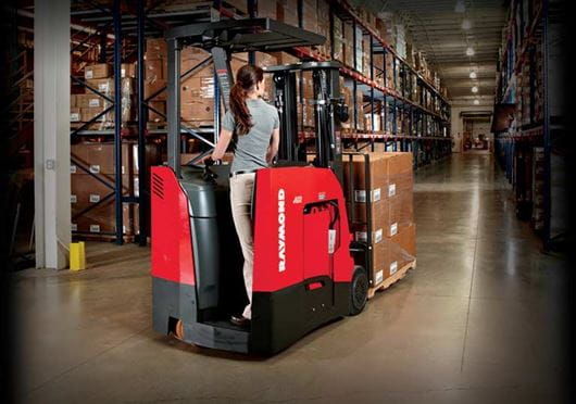 Raymond 4250 Stand Up Counterbalanced Truck Battery Compartment Options