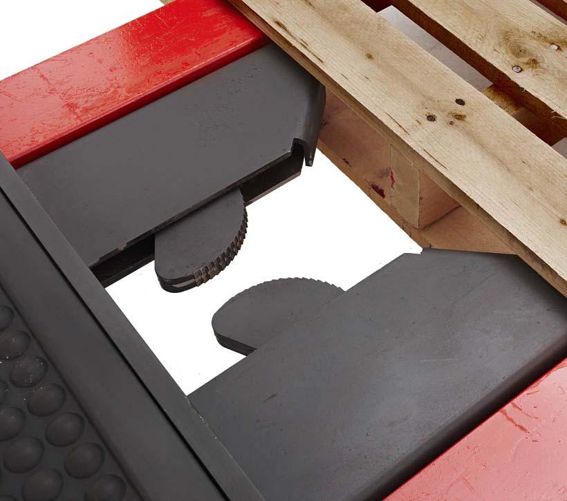 Raymond Orderpicker Auto Locking Pallet Clamp
