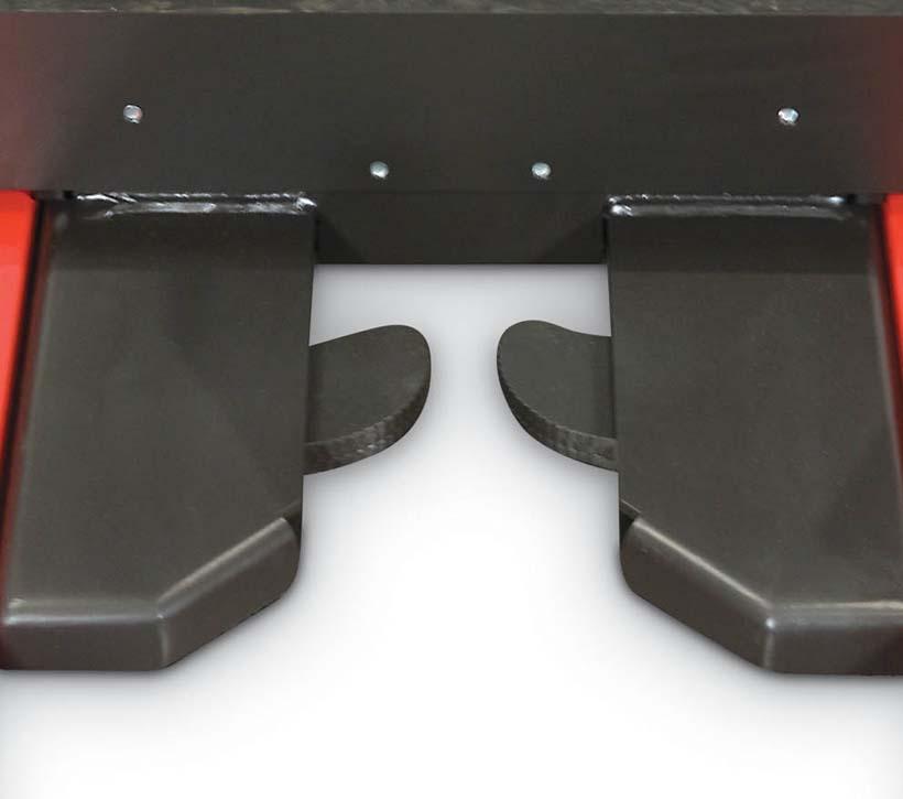 Raymond 5000 Series Order picker truck auto locking pallet clamp