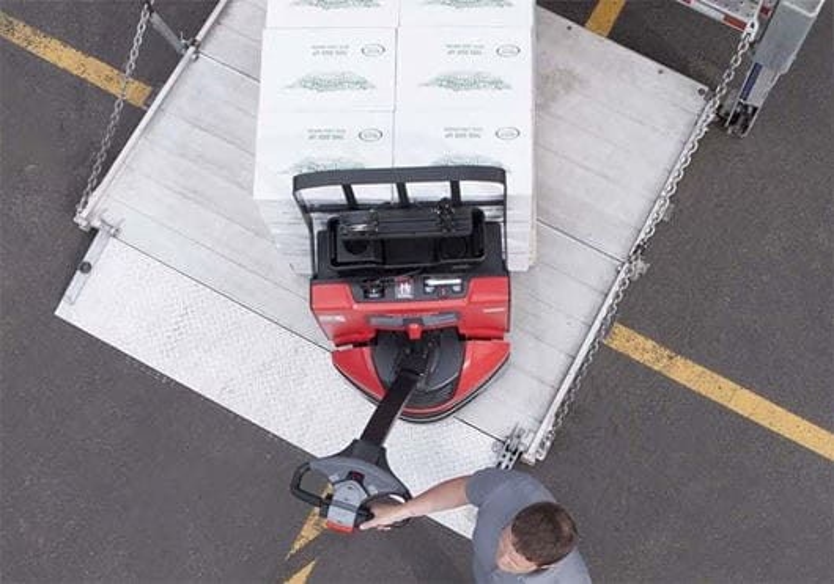 Raymond 8210 walkie pallet jack maneuverability on trailer