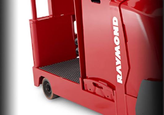 Raymond 8610 Tow Tractor low step height to operator's platform